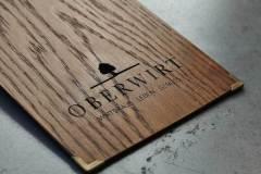Menuboard aus Holz mit Branding und Cutout - Gastrotopcard
